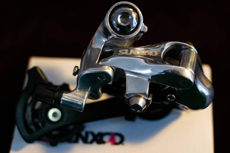 SUNXCD Touring Schaltwerk Rear Derailleur 9-10 speeds SXRD51M silber poliert