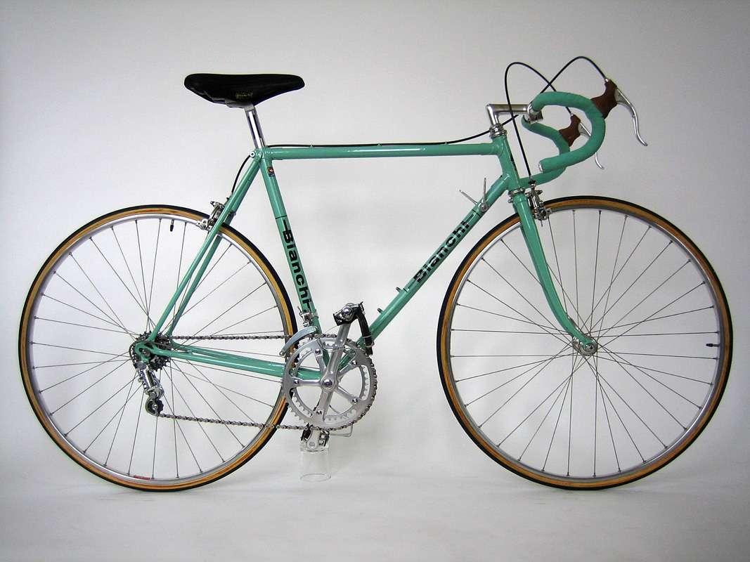 Bianchi_Rekord_748_Celeste_Rennrad_Classic_Bike_01
