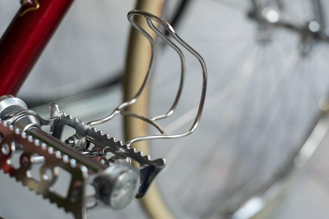 MKS Cage Clip Half Pedalhaken aus Edelstahl in Größe MMKS Cage Clip