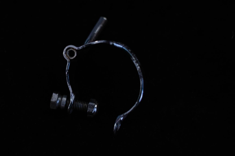 Huret Schaltzug Kabelführung Schelle / Gegenhalter Unterrohr mit Steg