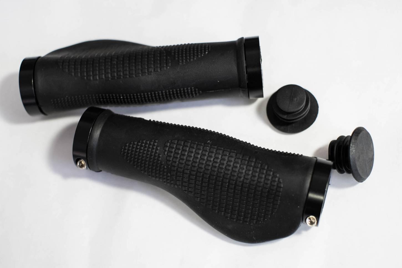Velo Ergo Lenkergriffe Schraubgriffe Griffe 130 mm schwarz Ergo Bar Grips