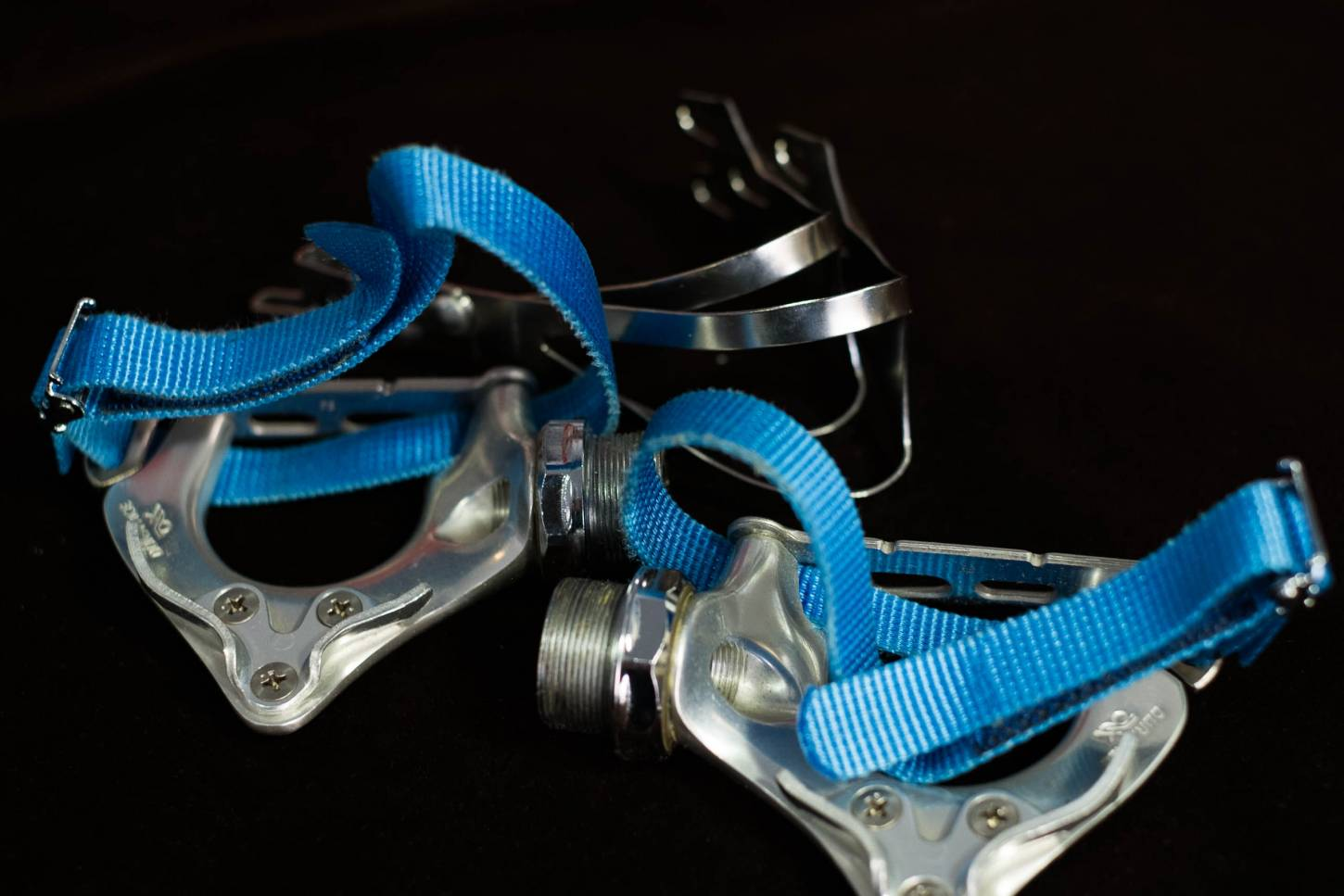 NOS Shimano Dura Ace AX pedals Dynadrive with pedal hook in L + nylon pedal strap Vintage
