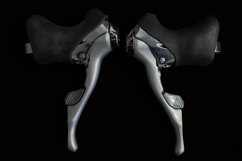 Shimano Dura Ace Schalt/Bremshebel Kombination ST-7400 Shifting Brake Levers STI 2 x 8 Speed Vintage