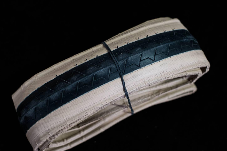NOS Michelin Performer 700 x 23C Vintage Reifen 1 Stück