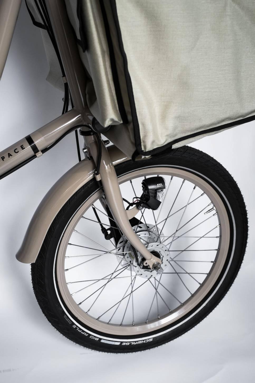"""Bicicapace"" by Studio Brisant Load Wheel"